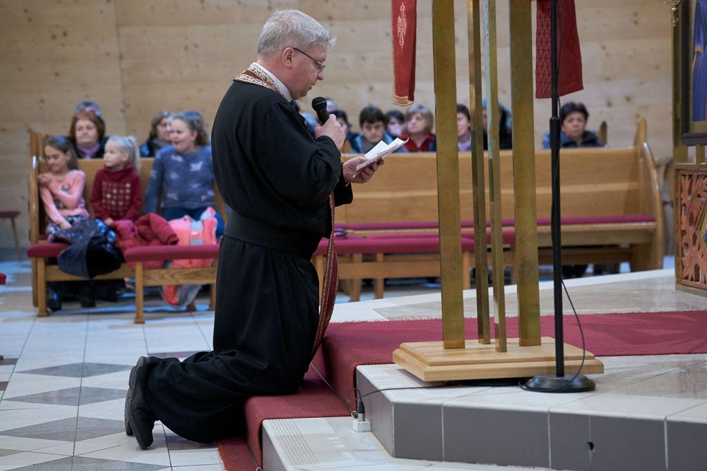 Krížová cesta modlitba matiek