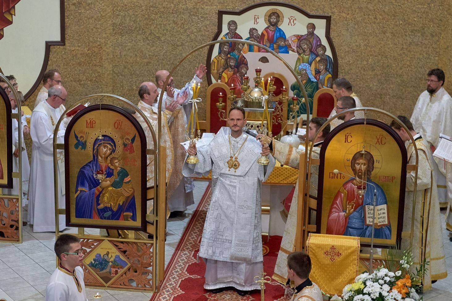 Biskup Marián Andrej Pacák na návšteve v našom chráme