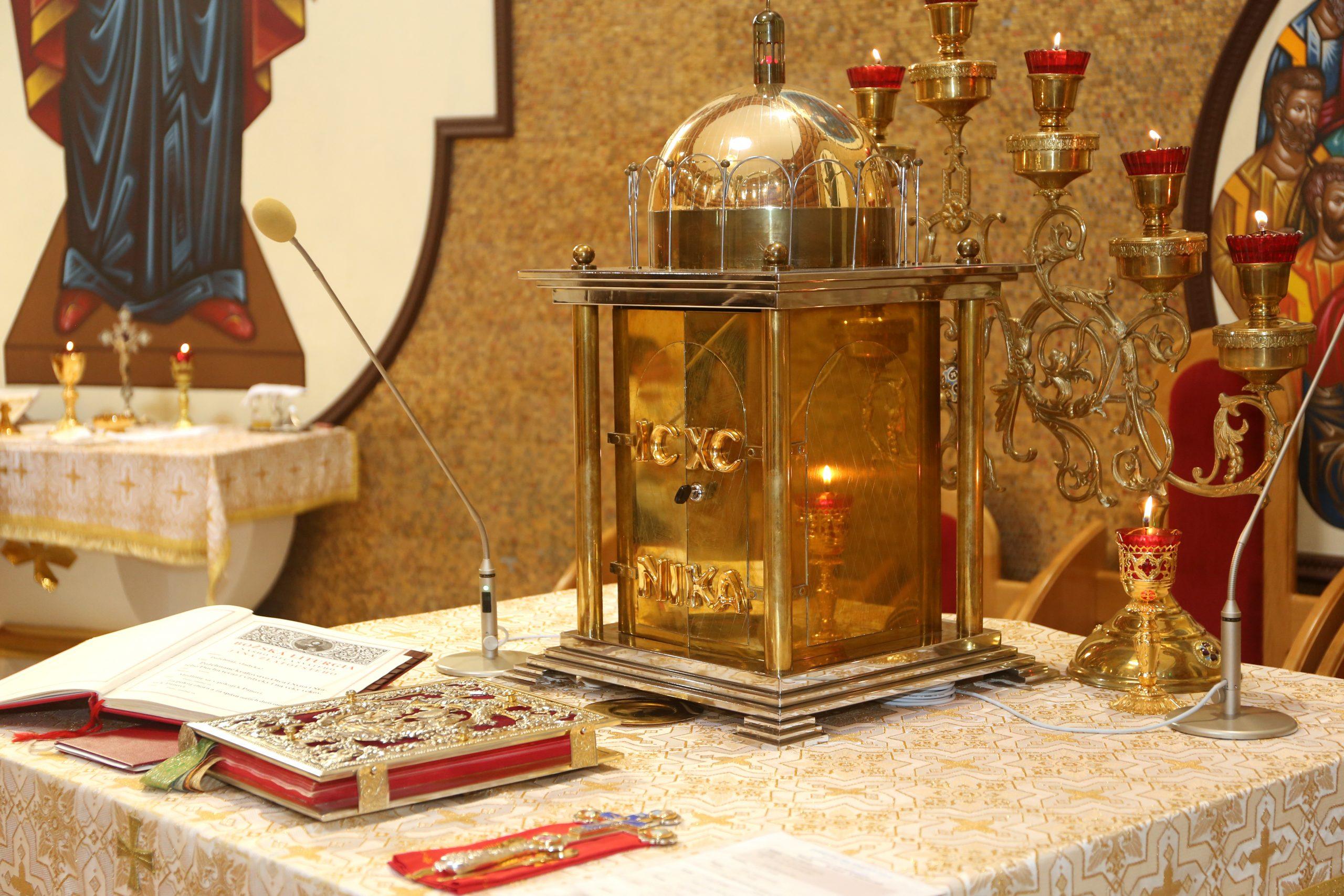 Verejné liturgie sú povolené od pondelka 16.11.2020